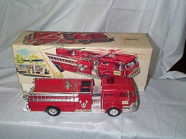 500: Hess 1970 Fire Truck, near mint condition in origi