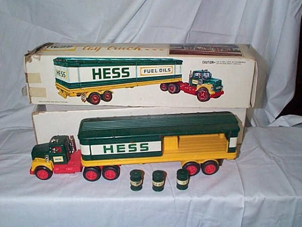 501: Hess 1976 Cargo Truck, comes with 3 barrels, near