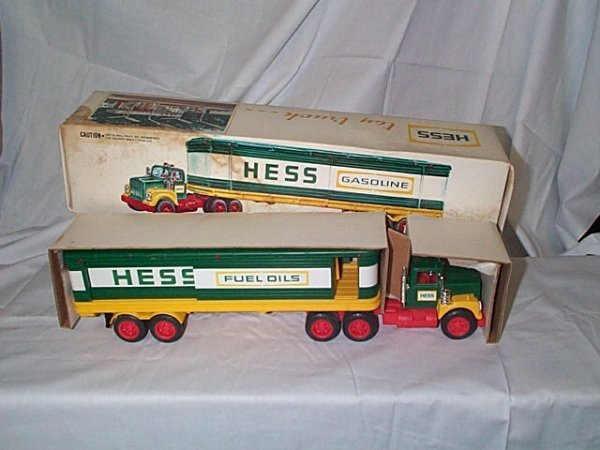 502: Hess 1976 Cargo Truck, comes with 3 barrels, near