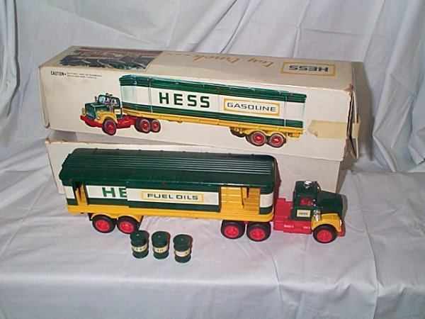 503: Hess 1976 Cargo Truck, comes with 3 barrels, near