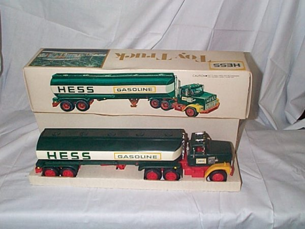 504: Hess 1977 Tanker Truck, near mint in box, Buyer to