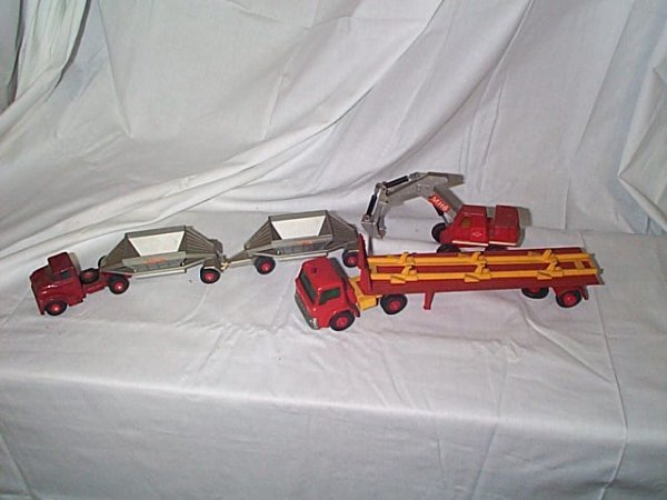 521: Lot of 3 Matchbox King Size construction trucks in