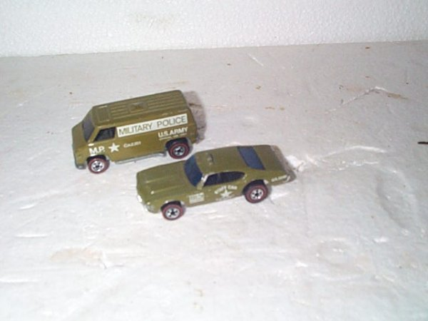 575: Lot of 2 Hotwheels Red Line Cars including militar