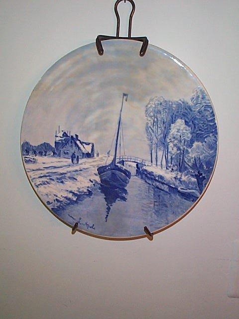 800: Unsigned Delft blue & white portrait plate.  Artis
