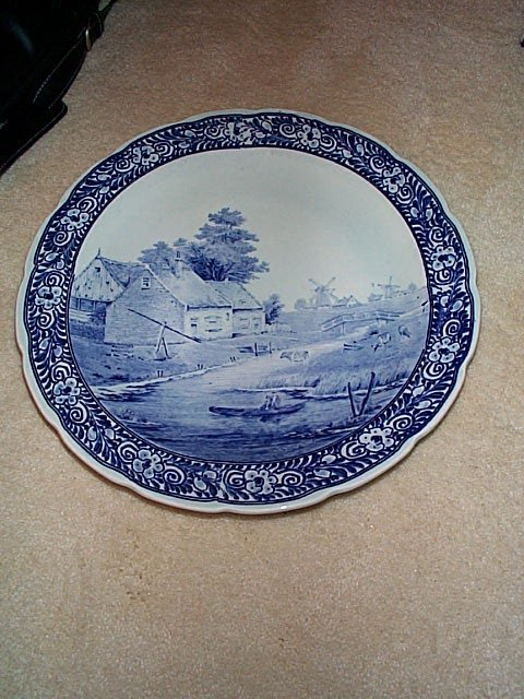 823: Signed Royal Sphinx Delft Made in Holland Maastric