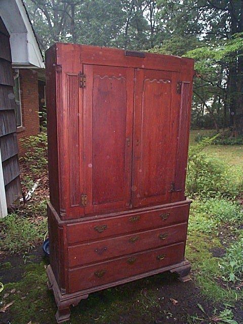 953: early to mid 19th Century mahogany 2-piece chest o