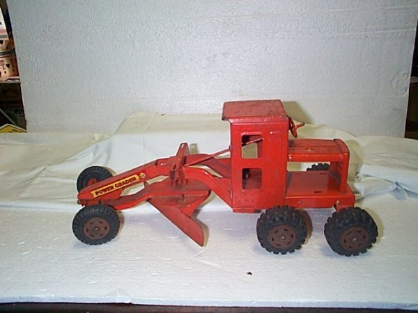 516: Marx toys pressed steel power grater tractor.  Mea