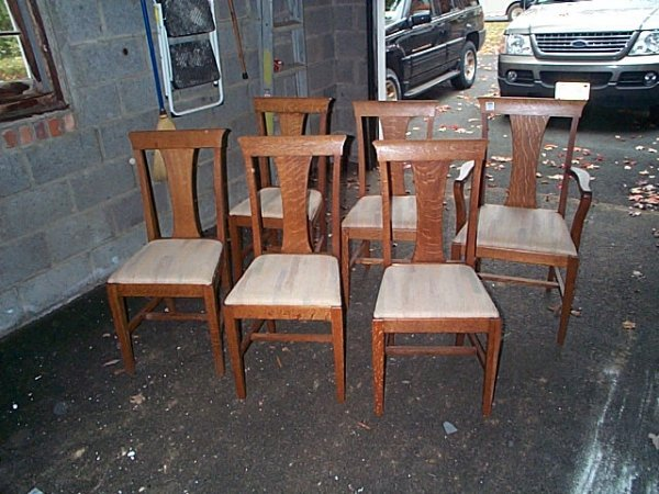 969: set of 6 solid oak t-back dinning room chairs. Loc