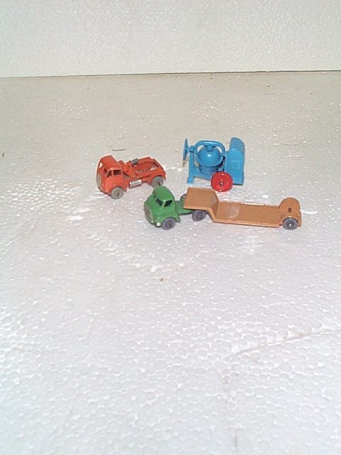 510: Lot of 3 Matchbox construction vehicles including
