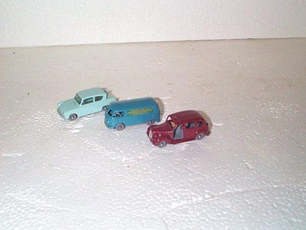 511: Lot of 3 vintage Matchbox cars including #17 Austi