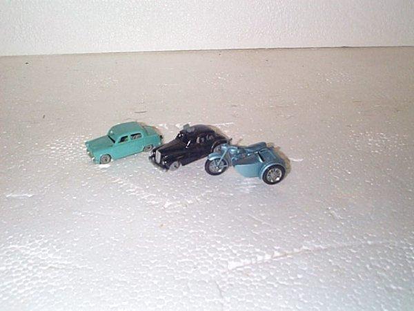 514: Lot of 3 Matchbox cars including #4 Triumph Trio m