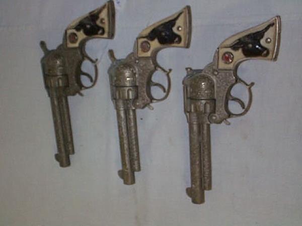 16: Lot of (3) Texan Jr. cap guns, measures 8 1/4 in.,
