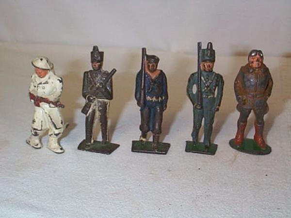 20: Lot of (5) Lead Toy Soldiers, measures between 3-3