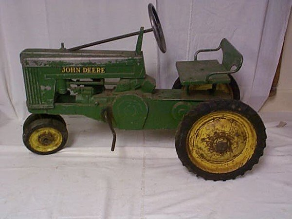 100: John Deere Tractor Peddle Car and Wagon, tractor m