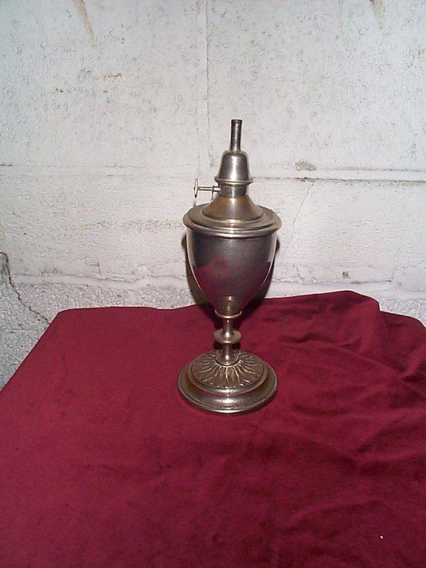 370: Victorian oil lamp signed Pigeon Bte SGDG Noampe P