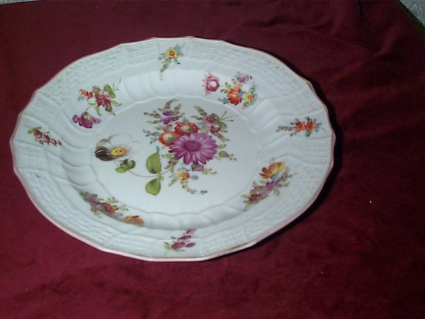 378: Meissen cabinet plate with flowers, has scratches