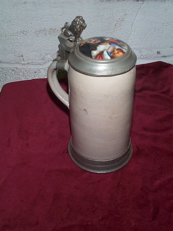 380: German stein with hand-painted lid of King drinkin
