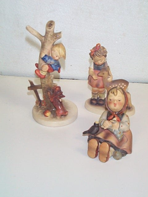 12: Lot of three Hummel figurines number # 69 Trademark