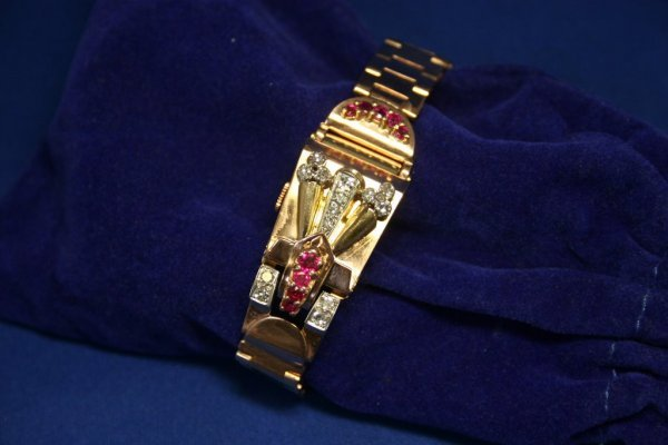 "237A: Retro 14k Rose Gold Flip Case Watch; 7"" long; 54."