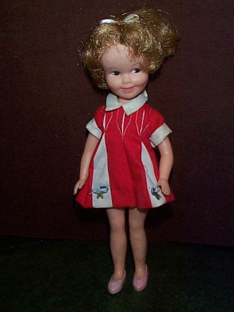 720: Signed 1963 Deluxe Reading A-9 Brite doll  Measure