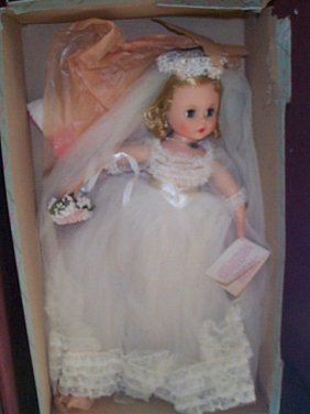 Madame Alexander Doll  Elise Bride Doll  # 1755  M