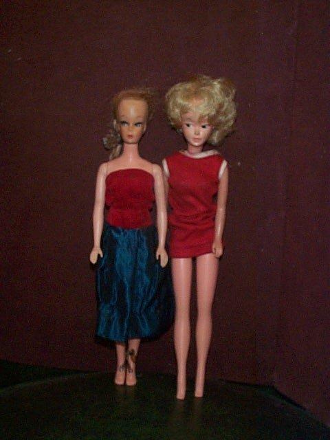 852: Lot of ( 2 ) unmarked Barbie type dolls  Each meas