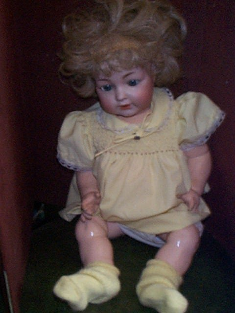 860: Early twentieth Century German porcelain head doll