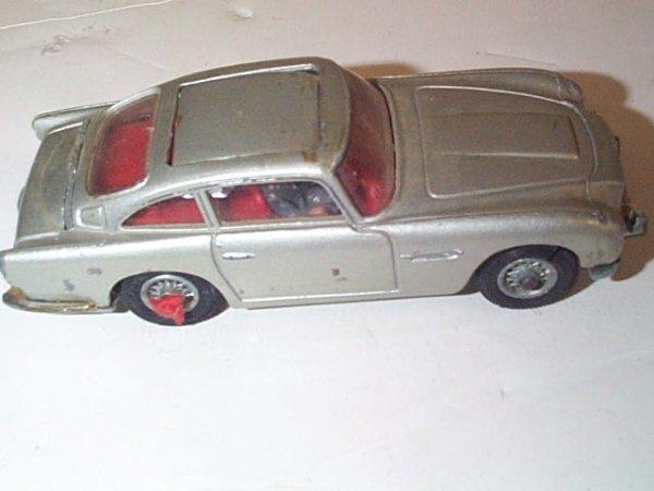 3: Corgi Toys  New James Bond  007  Aston Martin  DB5   - 3