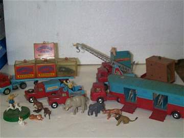 24: Corgi Toys Chipperfields Circus Items including, Be
