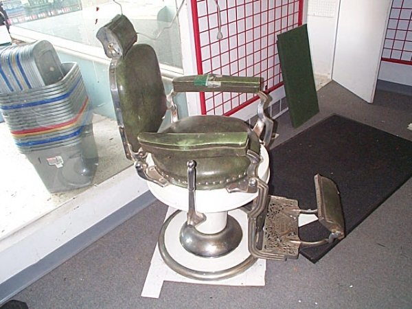 499: signed Koken 1950's Barber shop barber's chair in