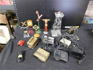Group Lot of Vintage Marx and Lionel Accessories and