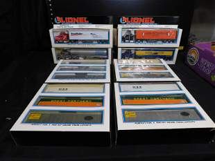 Group Lot of 8 Lionel Tractor Trailer Accessories