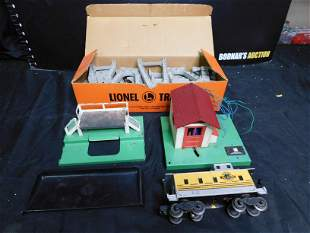 Lot of Lionel - Car and Accessories