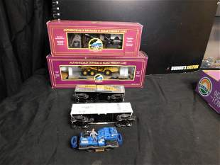 Group of 5 Train Cars including Lionel and MTH