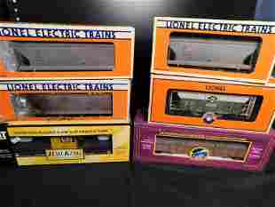 Lot of 6 Train Cars including Lionel and MTH