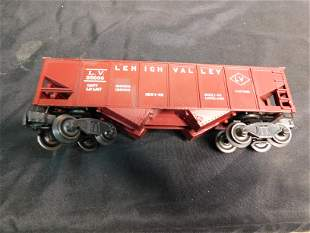 Group of 6 Train Cars including Lionel and MTH