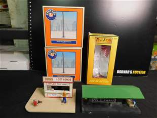 Group Lot of Train Accessories