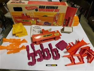 Hot Wheels Rod Runner Speedway Set in Box