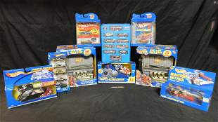 Lot of Hot Wheels Cases, Cars and Toys