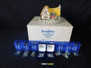 Olszewski/Goebel Snow White Cottage with 8 Miniatures