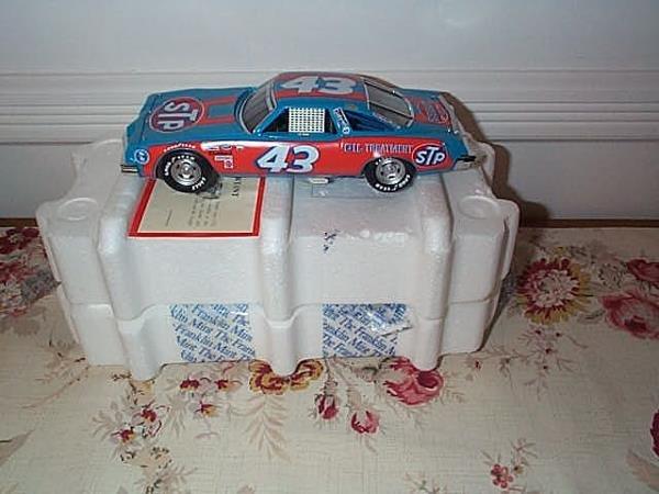 8: Franklin Mint Precision Model Richard Pettys' #43 Ra