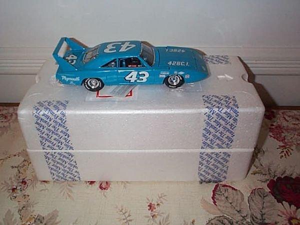 10: Franklin Mint Precision Model Richard Pettys' 1970