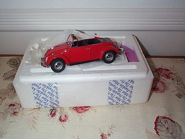 12: Franklin Mint Precision Model 1967 Volkswagen Cabri