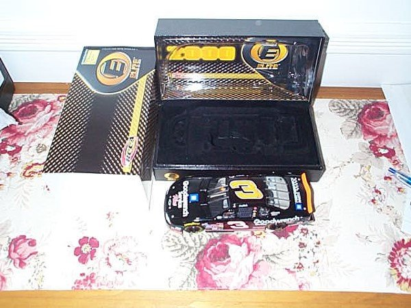 98: RCCA Elite Collectible Dale Earnhardt #3 GM Goodwre