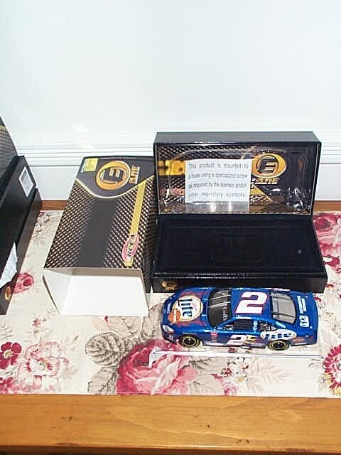 99: RCCA Elite Collectible Rusty Wallace #2 Miller Lite