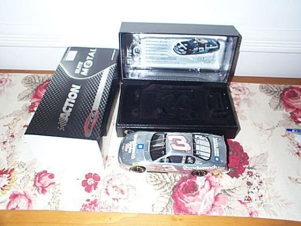105: RCCA Elite Collectible Dale Earnhardt #3 GM Goodwr