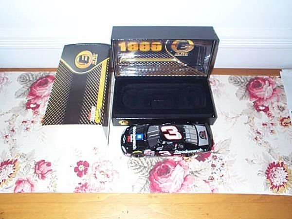 106: RCCA Elite Collectible Dale Earnhardt #3 GM Goodwr