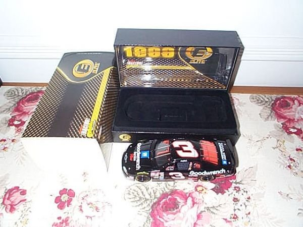 111: RCCA Elite Collectible Dale Earnhardt #3 GM Goodwr