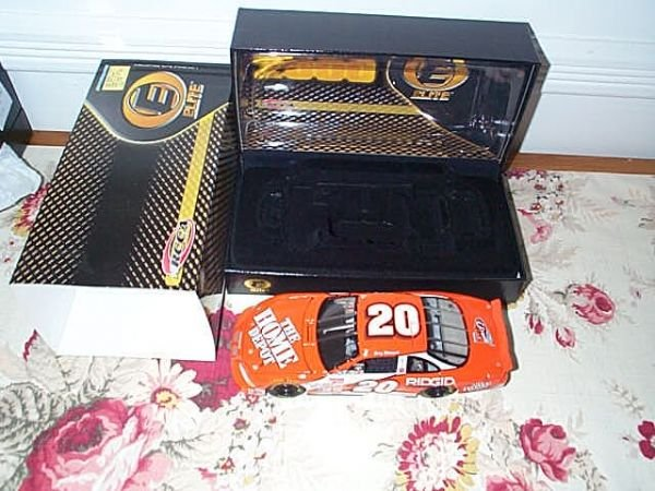 117: RCCA Elite Collectible Tony Stewart #20 Home Depot