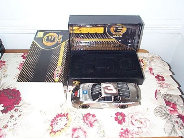 118: RCCA Elite Collectible Dale Earnhardt #3 GM Goodwr